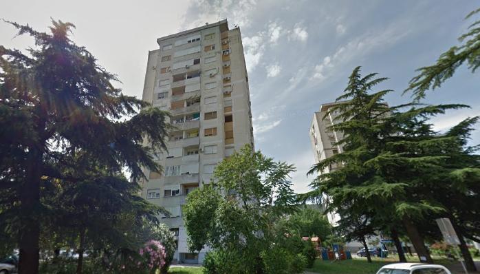 Dvosoban nenamješten stan, 64m2, Momišići, Izdavanje - 1
