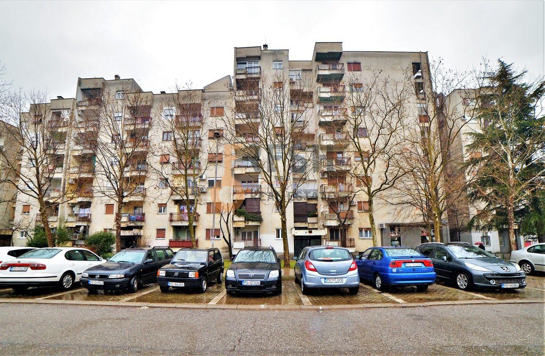 Trosoban djelimično namješten stan, 102m2, Blok 6, Prodaja - 1