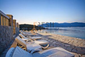 Vila na obali, 400m2, Bjelila - Tivat, prodaja - 1