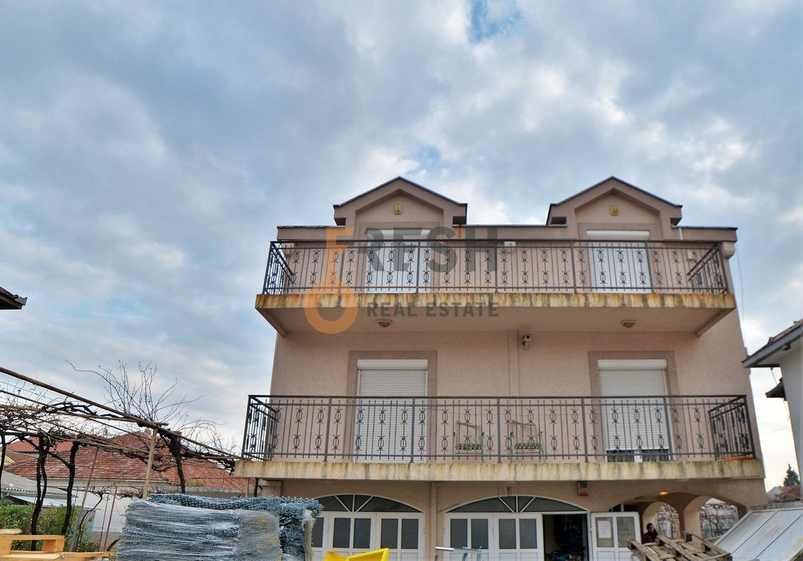 Duplex petosoban stan, 220m2, Masline, Izdavanje - 1