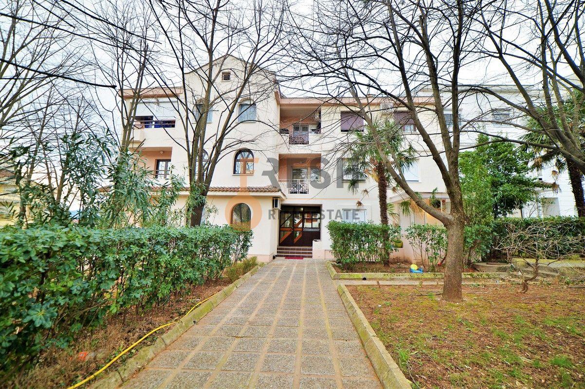 Trosoban stan 93m2, Gorica C, Izdavanje - 1