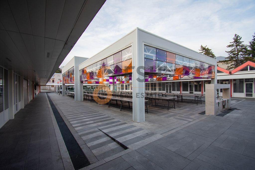 Poslovni prostor 32m2, tržnica, Cetinje, Prodaja - 1