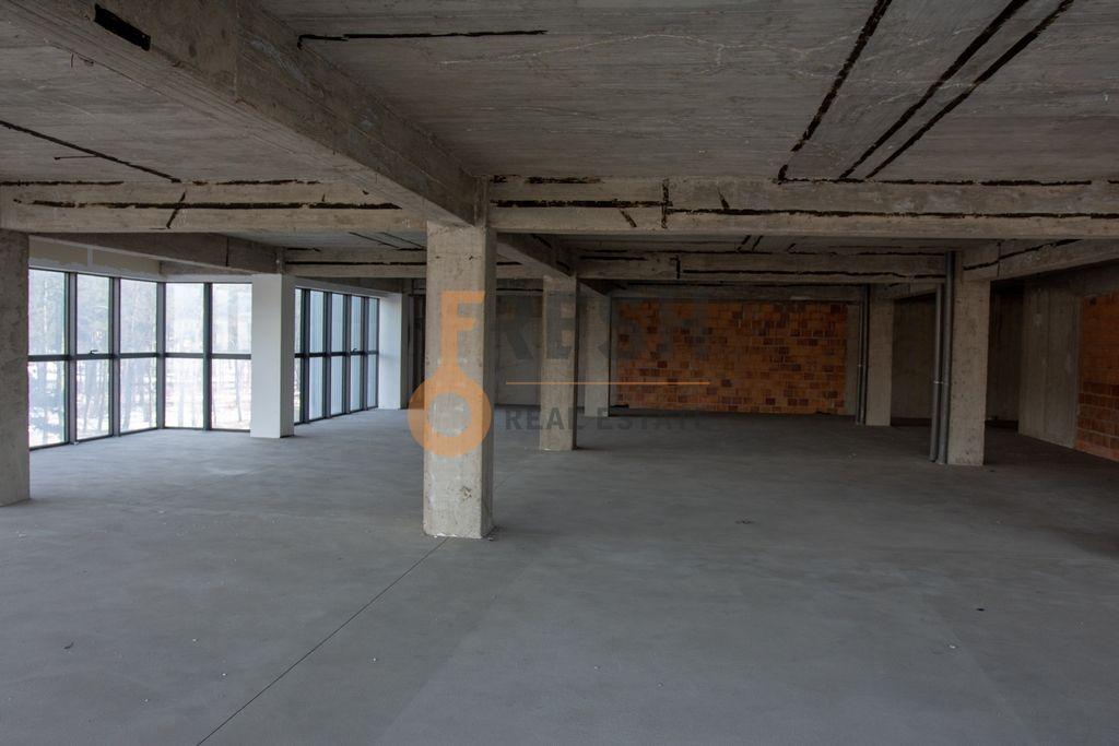 Poslovni prostor, 360m2, Nikšić, Prodaja - 1