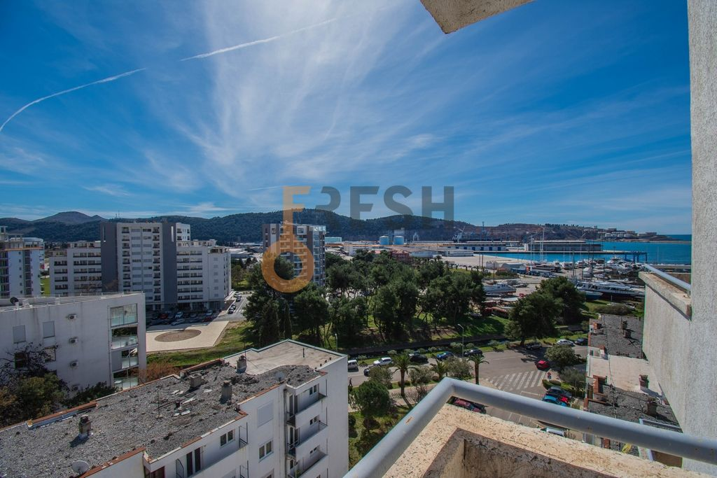 Penthaus duplex s pogledom na more, 157m2, Centar, Bar, Prodaja - 23