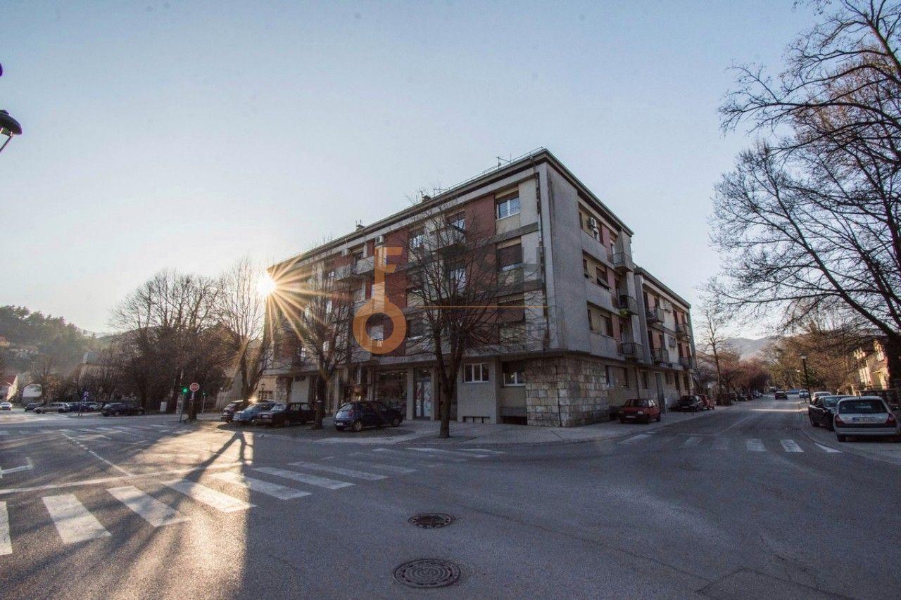 Jednosoban stan, 41m2, Cetinje, Prodaja - 12