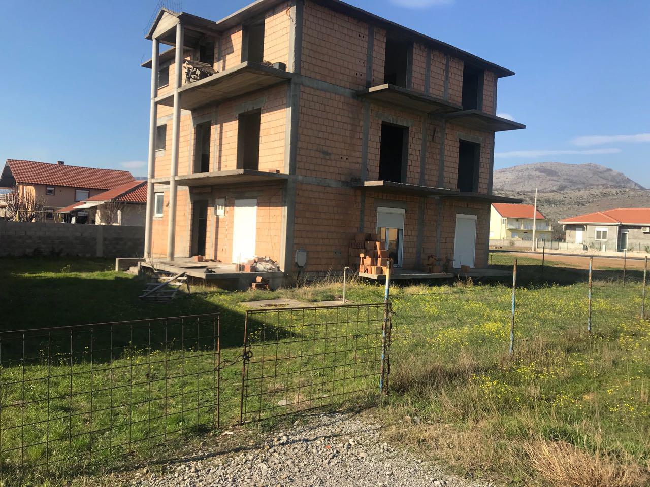 Kuća, 300m2, na placu od 500m2, Stara Zlatica, Prodaja - 1