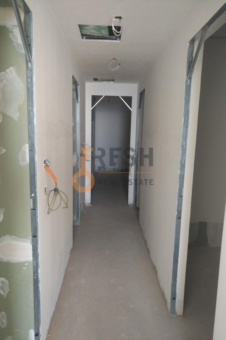 TROSOBAN STAN 167M2, DUKLEY GARDENS, BUDVA, PRODAJA - 9