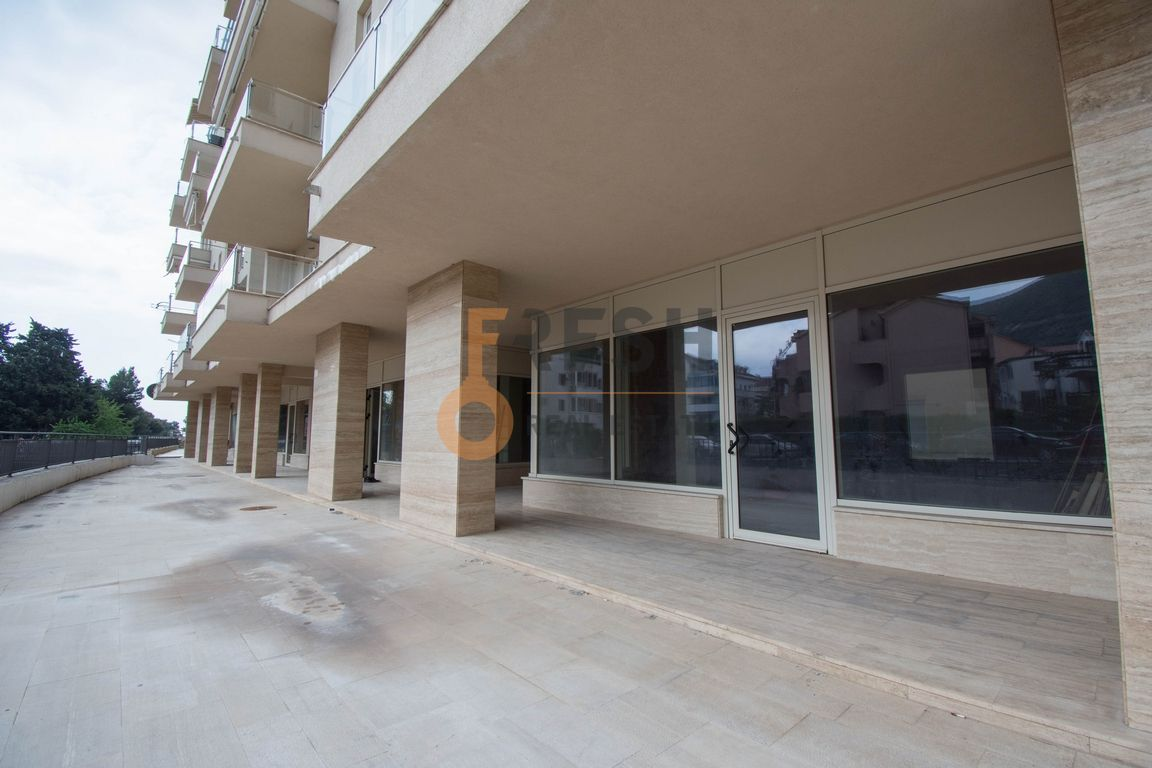 Poslovni prostor, 58m2, Budva, Prodaja - 1