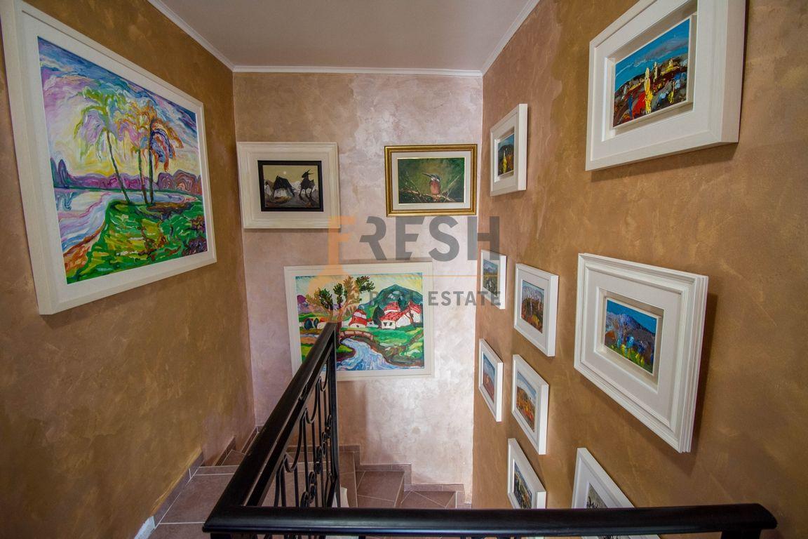 Virpazar, razrađeni biznis na prodaju kuća sa apartmanima, Prodaja - 1