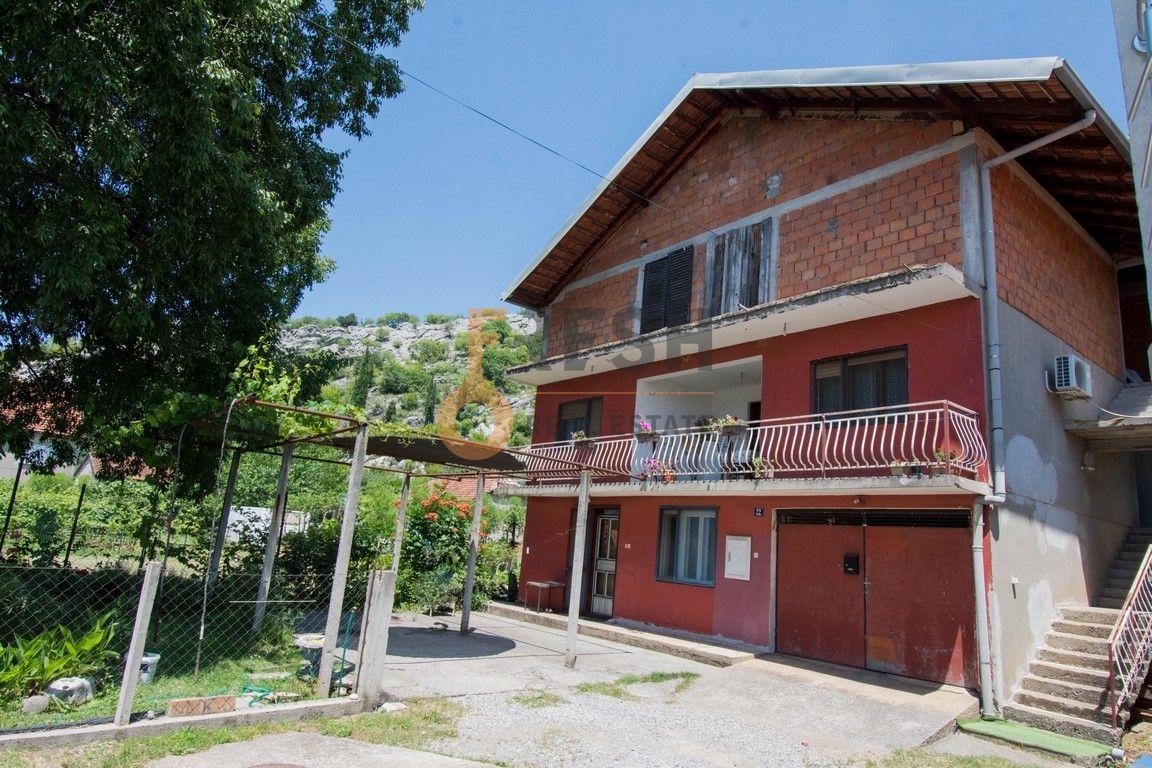 Kuća, 400m2, Donja Gorica, Prodaja - 1