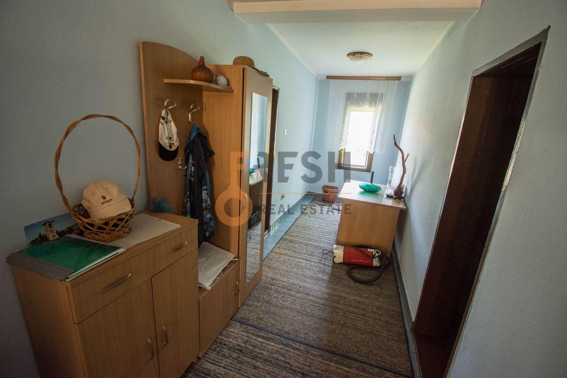 Kuća, 400m2, Donja Gorica, Prodaja - 12