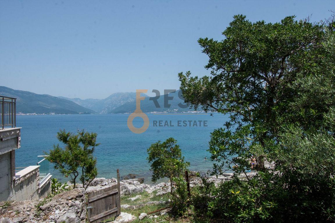 Krašići, zemljište za 4 vile i kuća na obali, Prodaja - 10