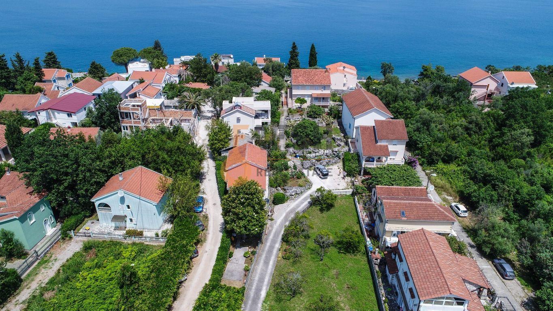 Krašići, zemljište za 4 vile i kuća na obali, Prodaja - 11