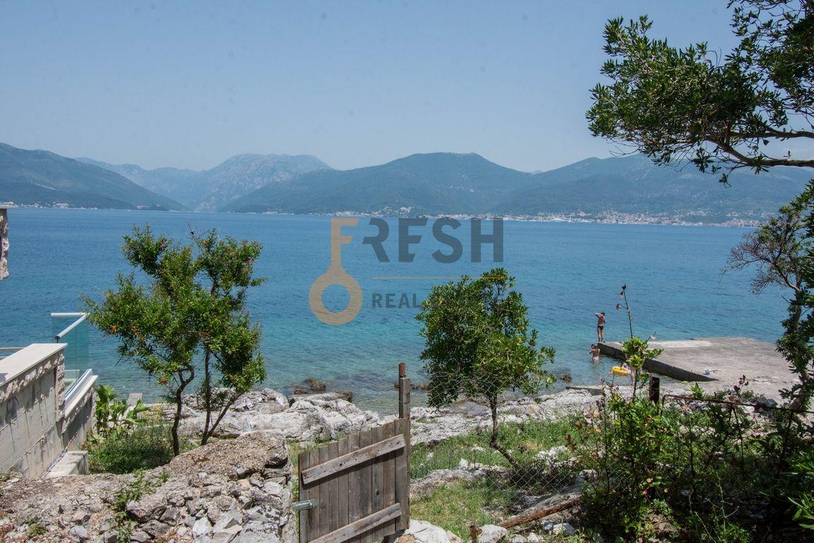Krašići, zemljište za 4 vile i kuća na obali, Prodaja - 15