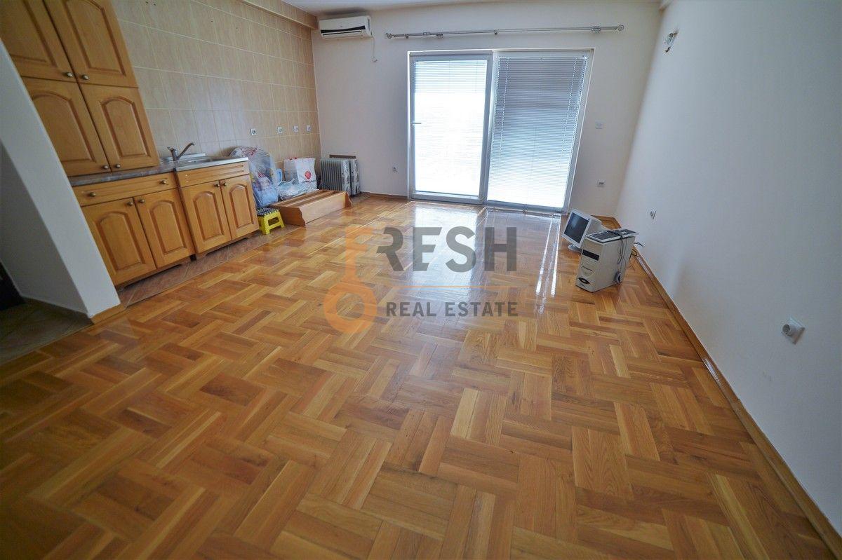 Jednosoban nenamješten stan, 60m2, Danilovgrad, Izdavanje - 1