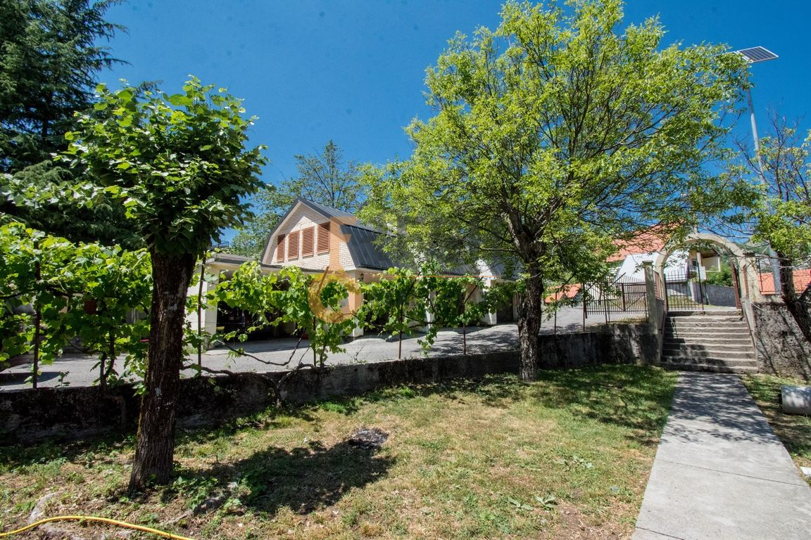 Kompleks Bajice - Cetinje, Prodaja - 1