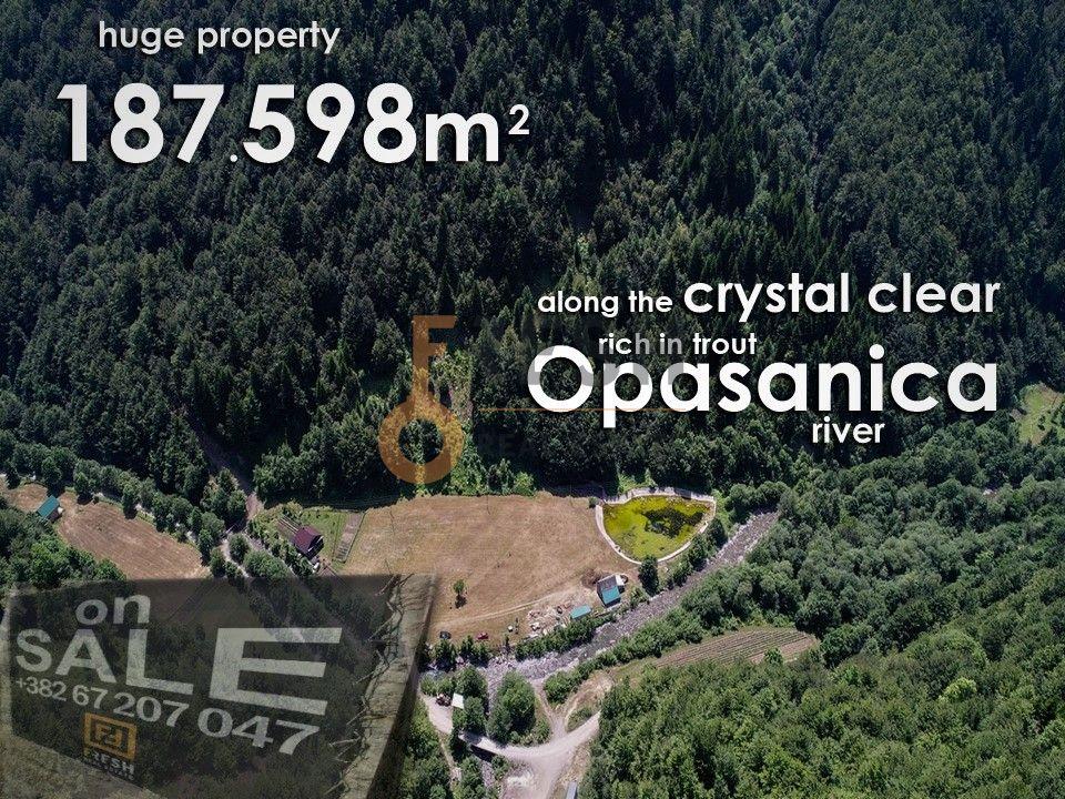 Vrhunsko imanje na obali rijeke, 187.598m2 - 2