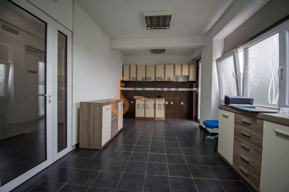 Trosoban stan, 100m2, Donja Gorica, Izdavanje - 5