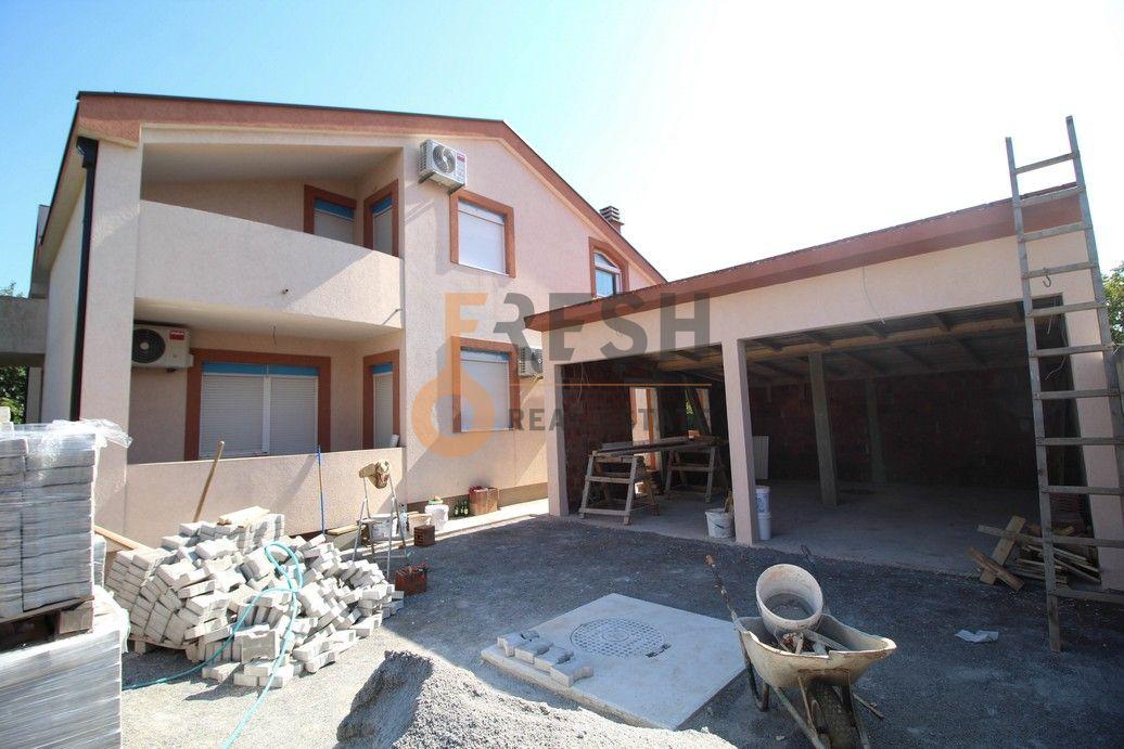 Kuća, 380m2, Zlatica, Prodaja - 1