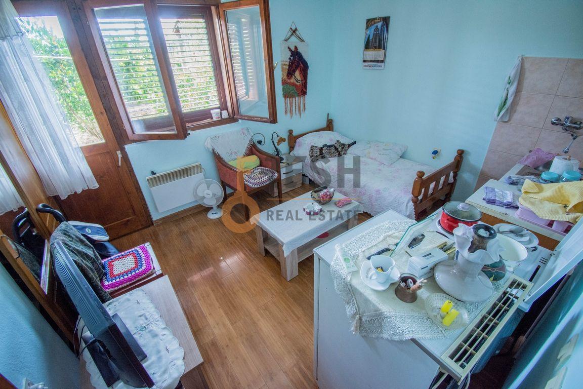 Kuća, 200m2 na placu od 760m2, Donja Gorica, Prodaja - 13