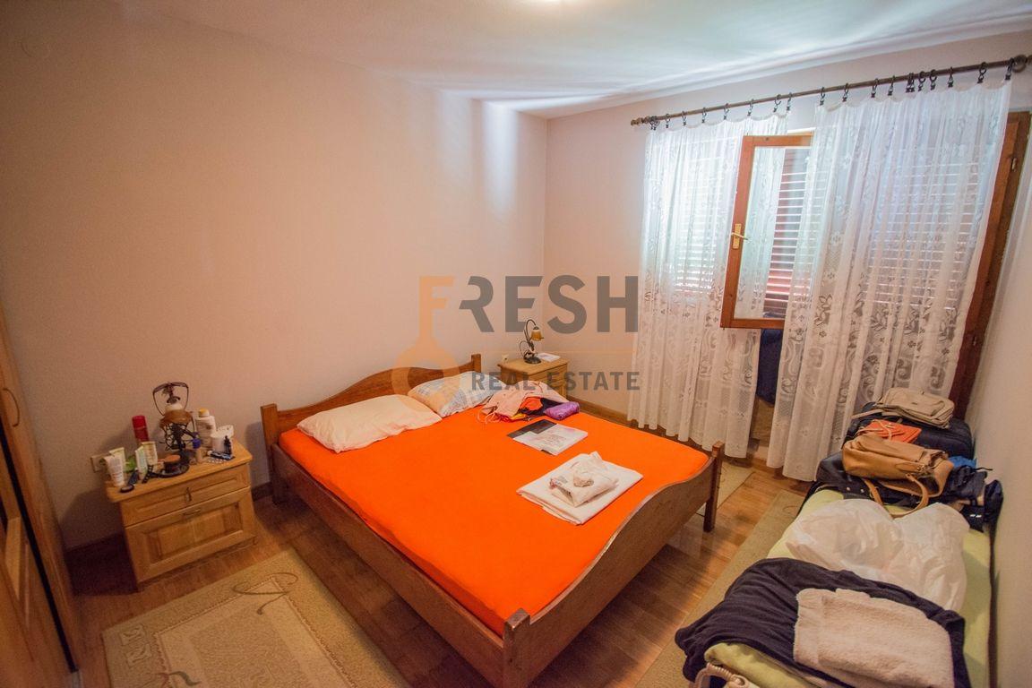 Kuća, 200m2 na placu od 760m2, Donja Gorica, Prodaja - 9