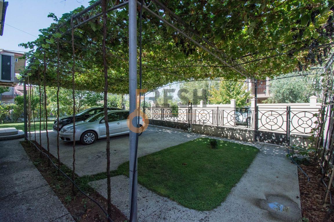 Kuća, 200m2 na placu od 760m2, Donja Gorica, Prodaja - 11