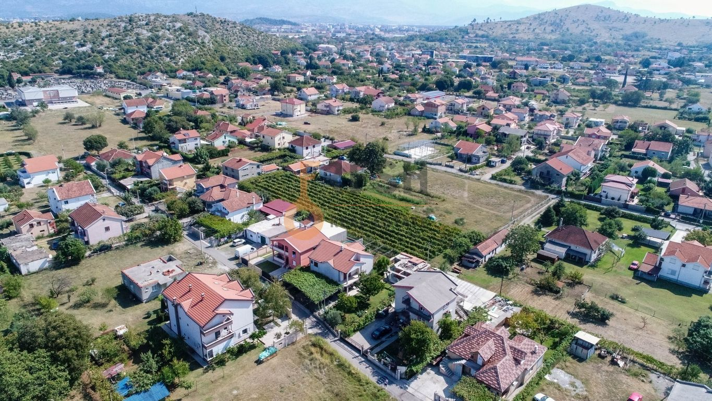 Kuća, 200m2 na placu od 760m2, Donja Gorica, Prodaja - 1