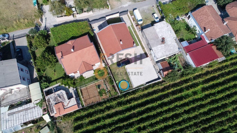 Kuća, 200m2 na placu od 760m2, Donja Gorica, Prodaja - 2