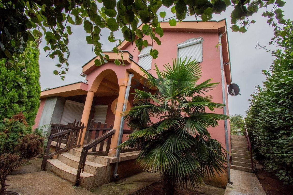 Kuća, 168m2, na placu 690m2, Gornja Gorica, Prodaja - 1