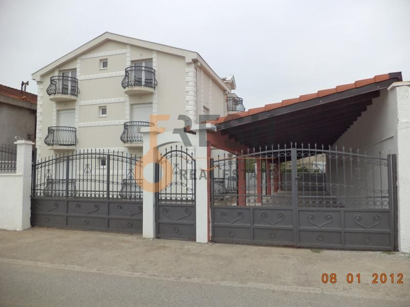 Podgorica, Stari Aerodrom, kuća od 280 m2, izdavanje - 1