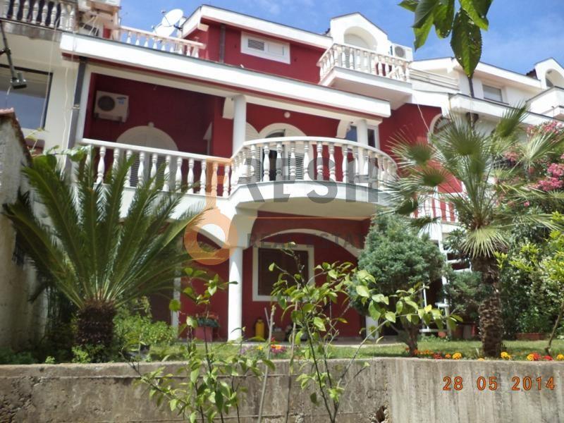 Podgorica, Gorica C, četvorosoban stan u kući, 270 m2, izdavanje - 1