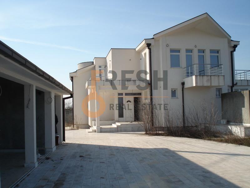 Podgorica, Tuzi, kuća od 1.200 m2, izdavanje - 1