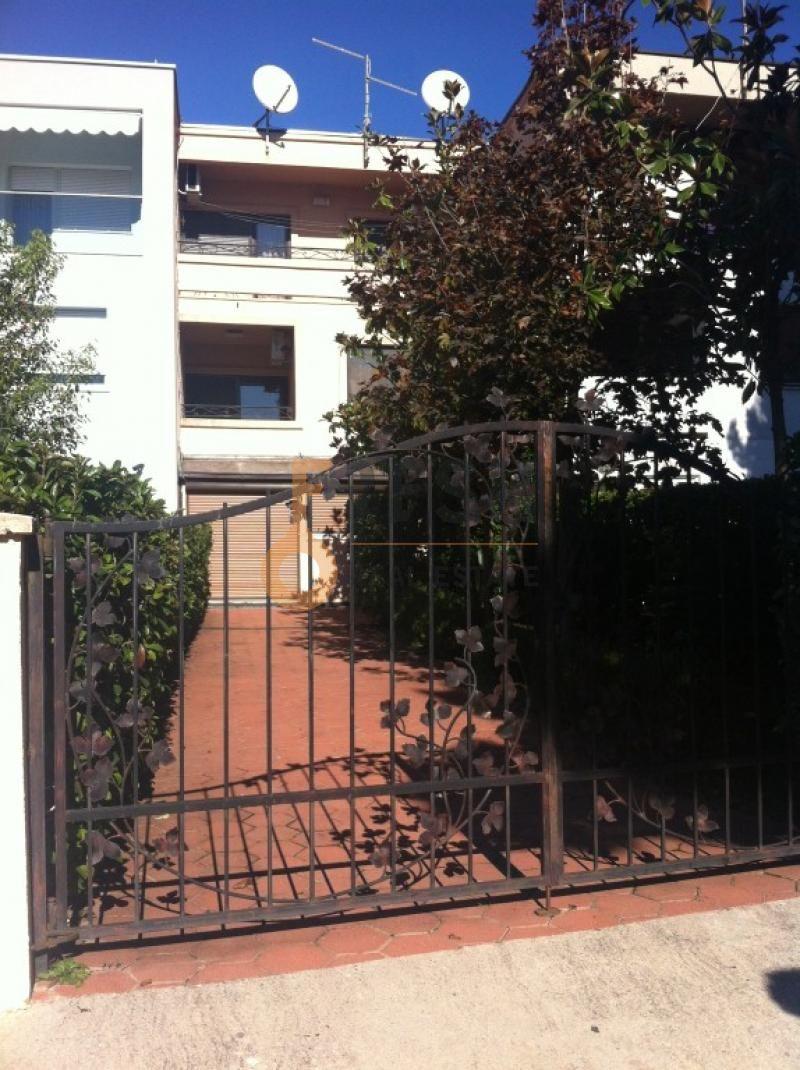 Podgorica, Gorica C, kuća od 210 m2, izdavanje - 1
