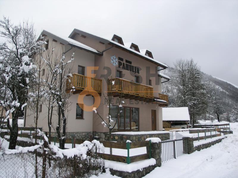 Kolašin, vila-apartmani 310 m2, Prodaja - 1