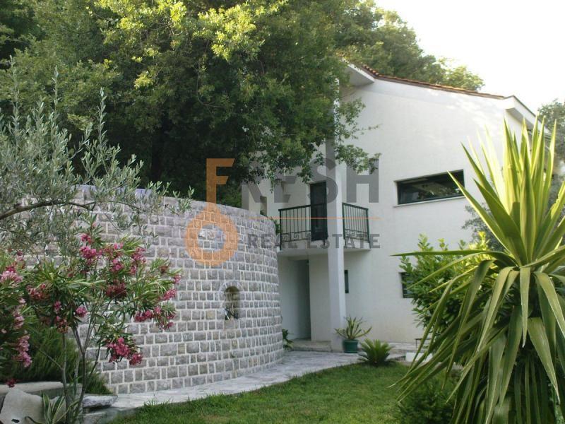 Budva, Buljarica, kuća od 260 m2, prodaja - 1