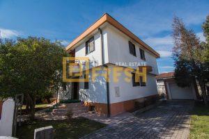 Kuća, 260m2, Dalmatinska, Izdavanje - 1
