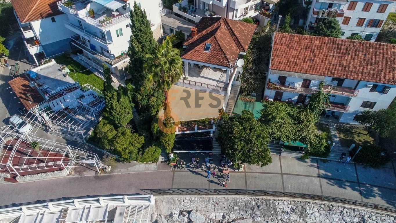 Razrađeni biznis na prodaju, Jazz bar i kuća na šetalištu, Herceg Novi - 9