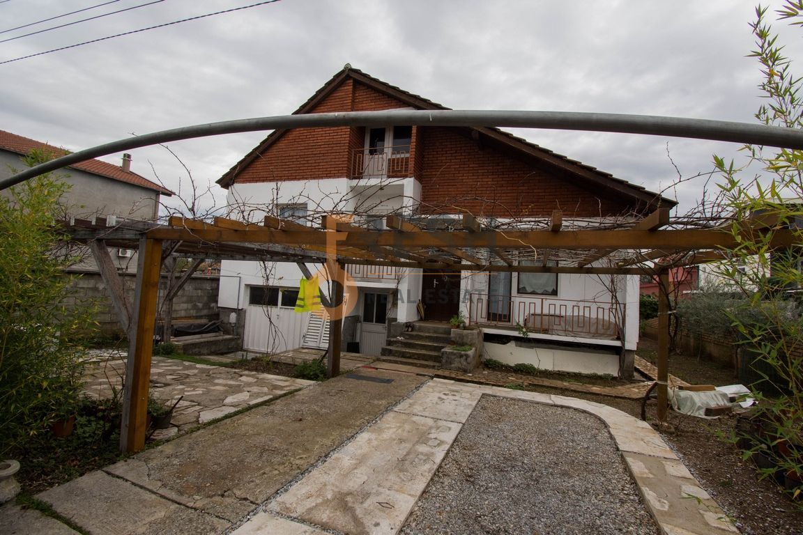 Kuća, 120m2 na placu 400m2, Gornja Gorica, Prodaja - 1