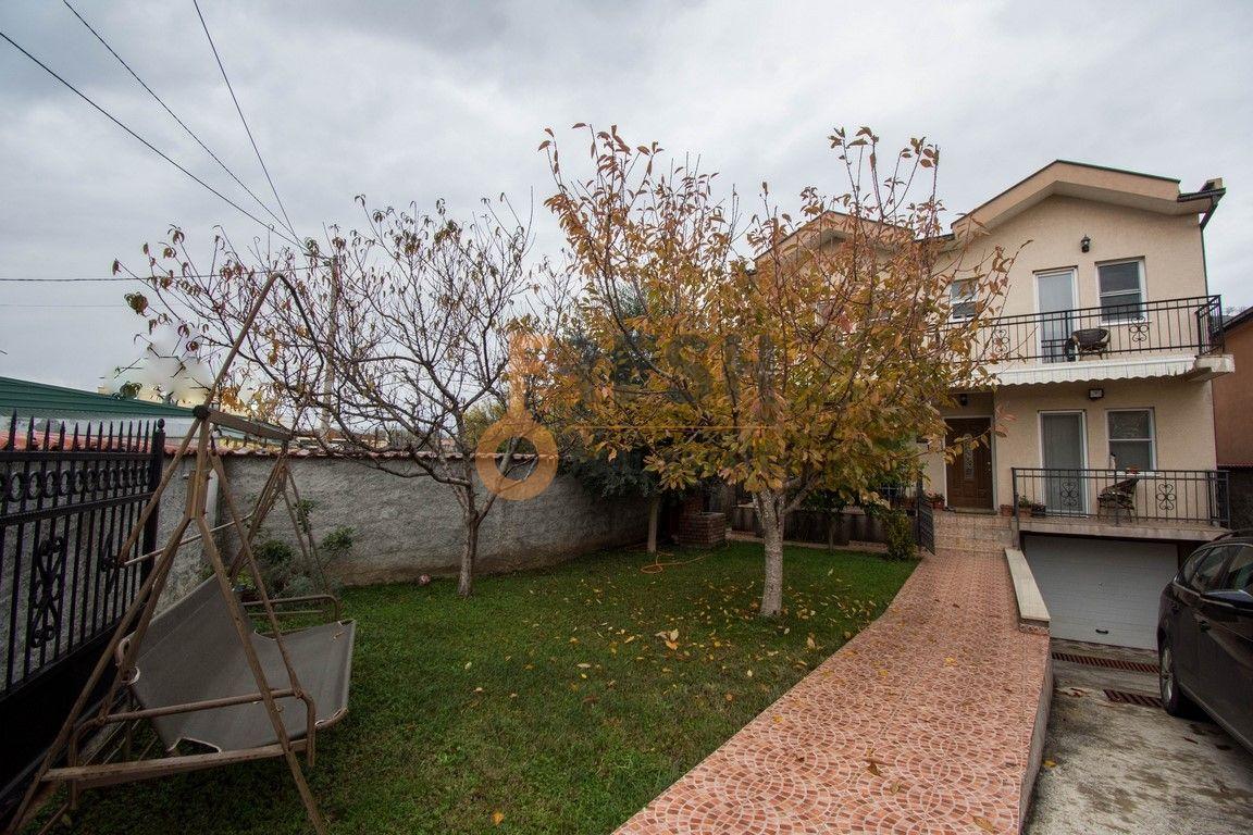 Kuća, 215m2, Donja Gorica, Prodaja - 1