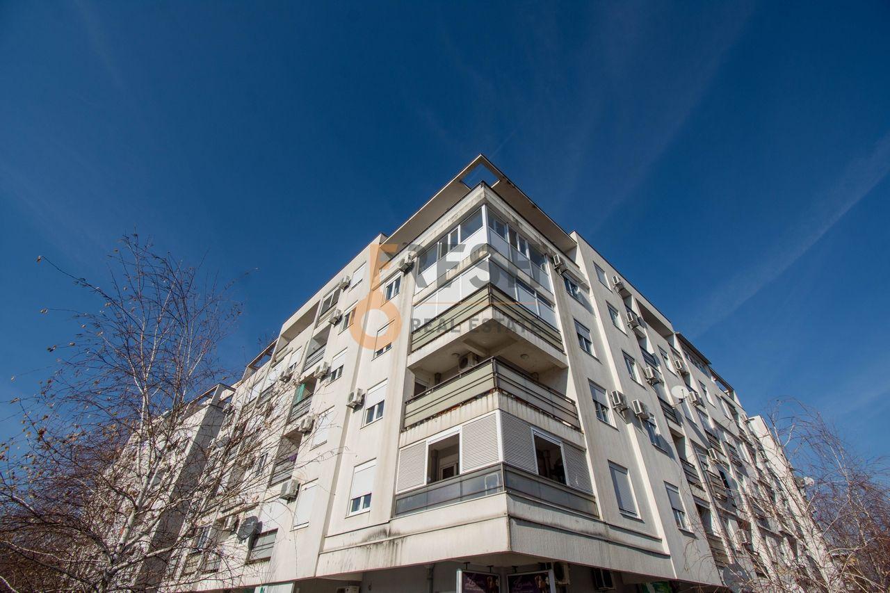 Poslovni prostor, 67m2, Blok 9, Prodaja - 1