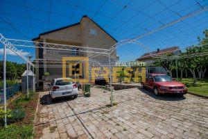 Kuća, 350m2, Dalmatinska, Izdavanje - 1
