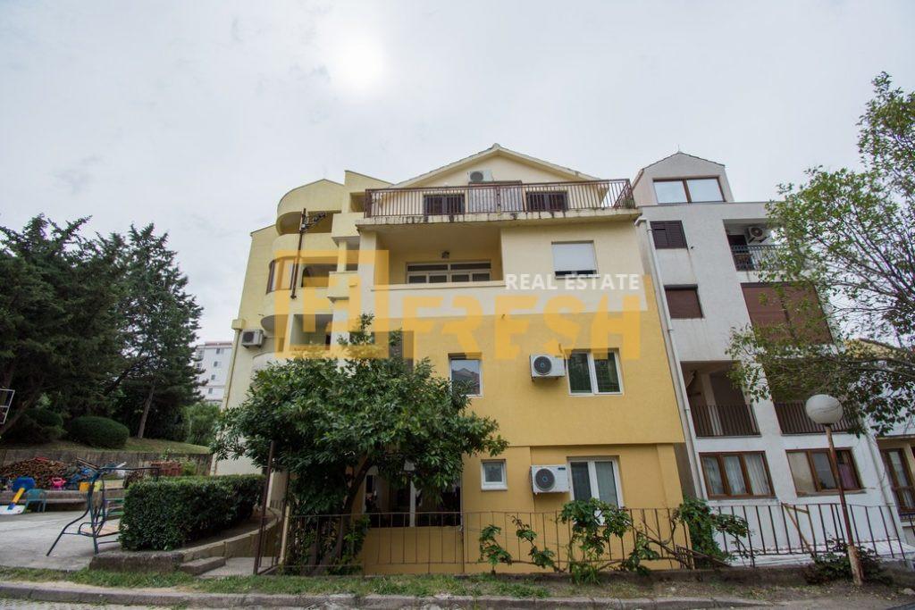 Dvosoban stan, 65m2, Bečići, Prodaja 1