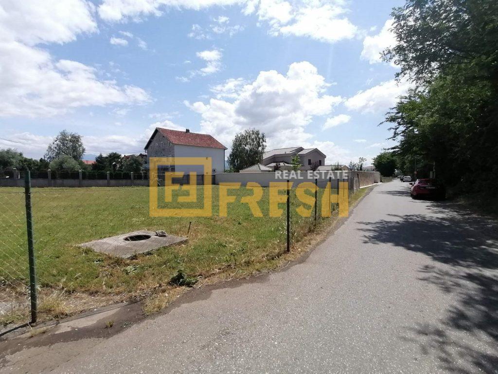 Urbanizovano građevinsko zemljište, 1074m2, Tološi, Prodaja 1