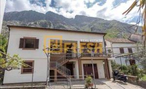 Kuća, 350m2, Kotor, Prodaja - 1