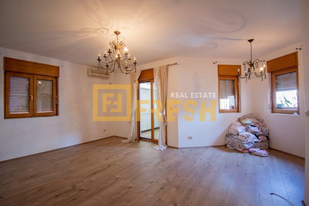 Dvosoban stan, 63m2, Preko Morače, Prodaja - 0