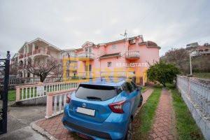 Kuća, 350m2, na placu od 415m2, Zabjelo, Prodaja - 1