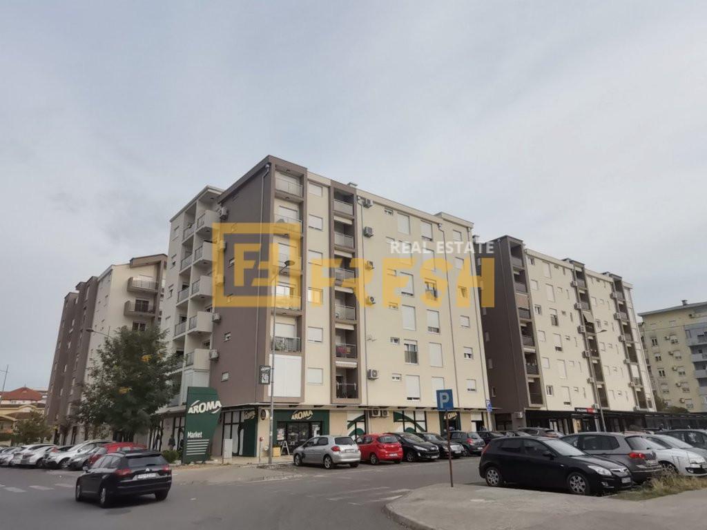 Dvosoban stan, 72m2, Blok 9, Izdavanje 1
